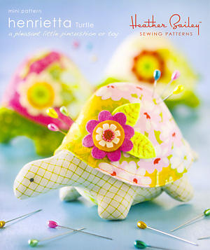 Henrietta Turtle Mini Pattern by Heather Bailey