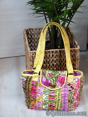 Snazzy Bag by Lila Tueller
