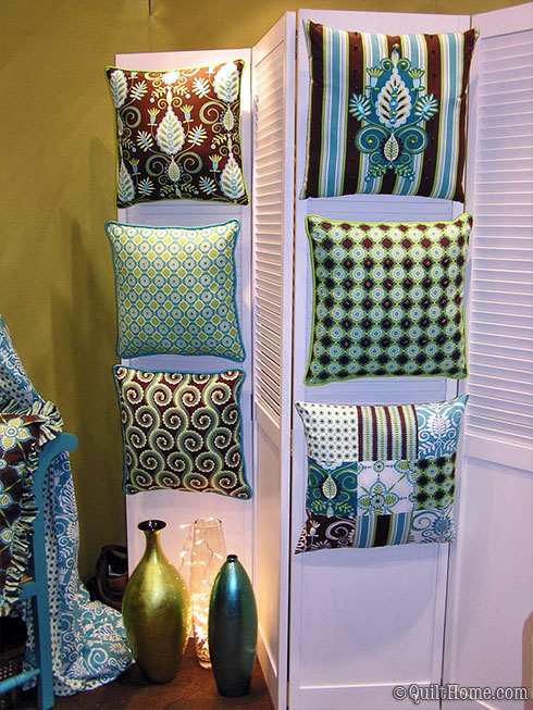 Pillow & Maxfield Quilt Market Booth