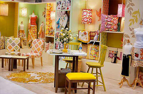 Sandi Henderson's Quilt Market Booth